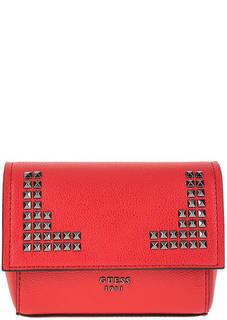 Поясная красная сумка с металлическим декором Guess