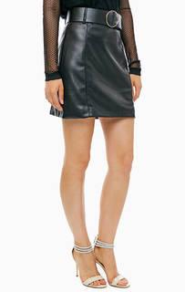 Короткая юбка черного цвета Guess