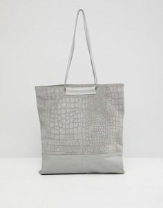 Сумка-шоппер из замши и кожи с крокодиловым рисунком ASOS DESIGN - Серый