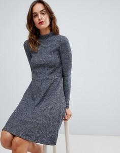 Короткое приталенное платье из трикотажа в рубчик с начесом Y.A.S - Серый