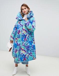Длинная дутая куртка с цветочным принтом ASOS DESIGN hero - Мульти