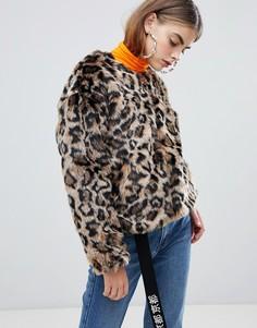 Искусственный полушубок с леопардовым принтом Bershka - Мульти