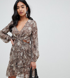 Платье мини с длинными рукавами и открытой спиной ASOS DESIGN Petite - Мульти