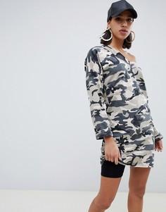Трикотажное платье с открытыми плечами и камуфляжным принтом ASOS DESIGN - Мульти