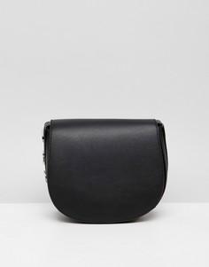 Черная кожаная сумка через плечо с металлическим логотипом DKNY - Черный