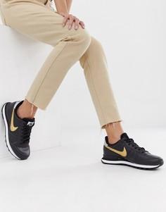 Черные кроссовки с золотистыми вставками Nike - Черный