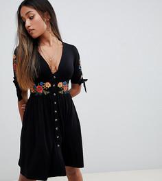 Чайное платье мини на пуговицах с вышивкой ASOS DESIGN Petite - Черный