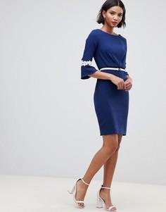 Плиссированное платье с кружевной отделкой и поясом Paper Dolls - Темно-синий