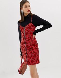 Красное платье мини с молнией и принтом зебра River Island - Красный