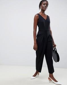 Комбинезон с широкими штанинами и V-образным вырезом Selected femme - Черный