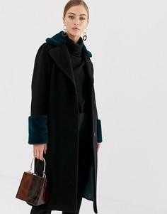 Двубортное пальто с контрастным воротником и манжетами из искусственного меха Helene Berman - Черный