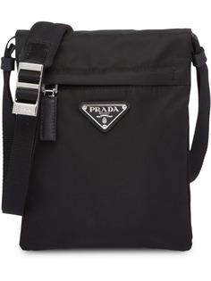 Prada сумка на плечо с бляшкой с логотипом