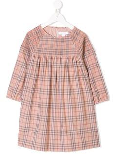 Burberry Kids клетчатое платье