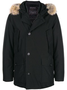 Woolrich пуховое пальто с капюшоном с меховой оторочкой