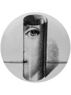 Fornasetti тарелка scroll cameo