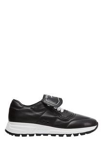 Черные кроссовки на белой подошве Prada