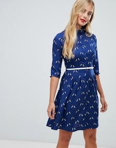 Платье-рубашка с принтом единорогов и поясом Yumi - Темно-синий