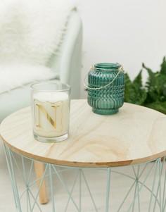 Свеча с ароматом просекко и принтом буквы N Candlelight - Белый
