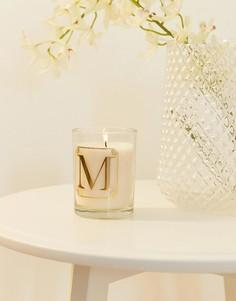 Свеча с ароматом мимозы и принтом буквы M Candlelight - Белый