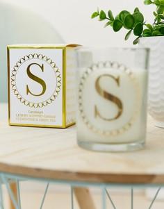 Свеча с принтом буквы S и ароматом клементина и зеленого чая Candlelight - Белый