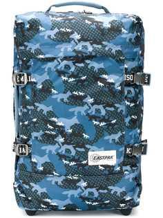 Maison Kitsuné чемодан с принтом из коллаборации с Eastpak Transverz