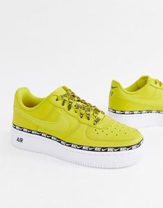 Желтые кроссовки с отделкой лентой и логотипом-галочкой Nike Air Force 1 - Желтый