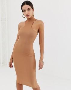 Облегающее платье миди светло-коричневого цвета в рубчик с высоким воротом и спиной-борцовкой Missguided - Бежевый