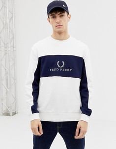 Белый свитшот с логотипом и круглым вырезом Fred Perry Sports Authentic - Белый