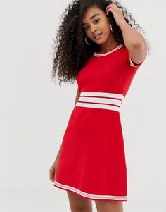 Короткое приталенное платье в стиле ретро Emporio Armani - Красный