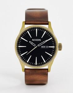 Часы с кожаным ремешком Nixon 42 мм - Коричневый