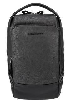 Кожаный рюкзак на одно плечо Piquadro