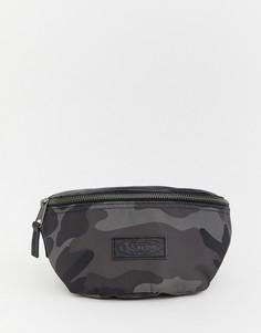 Черная сумка-кошелек на пояс с камуфляжным принтом Eastpak Springer - Черный