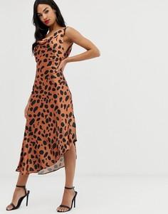 Атласное платье-комбинация миди с абстрактным звериным принтом ASOS DESIGN - Мульти