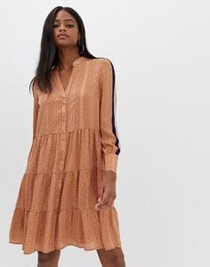 Ярусное платье в горошек с полосками Y.A.S - Коричневый