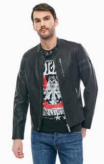 Черная куртка с карманами и нашивками Guess