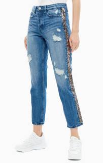 Рваные джинсы бойфренд с декором из пайеток The It Girl Guess