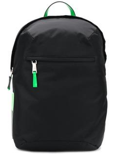 Prada рюкзак с нашивкой-логотипом сбоку