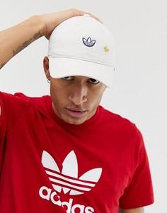 Белая кепка adidas Originals Samstag - Белый