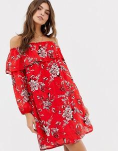 Платье с открытыми плечами и цветочным принтом Glamorous - Красный