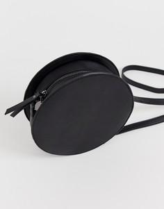 Черная круглая сумка через плечо Pieces - Черный