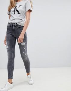 Рваные джинсы скинни с завышенной талией Calvin Klein - Серый