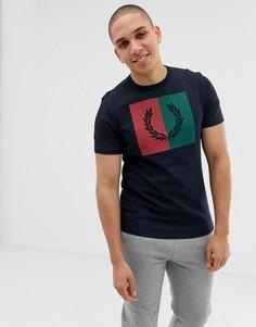 Темно-синяя футболка с логотипом колор блок Fred Perry - Темно-синий