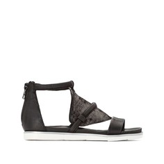 Босоножки кожаные на плоском каблуке Mjus