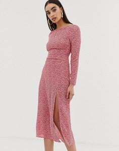 Платье миди в горошек с глубоким вырезом на спине Fashion Union - Розовый
