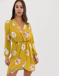 Платье горчичного цвета с запахом и цветочным принтом Love - Желтый