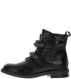Низкие демисезонные ботинки с декором Mjus