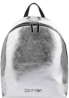 Серебристый рюкзак с одним отделом Calvin Klein