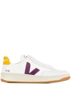 Veja кроссовки с контрастным логотипом