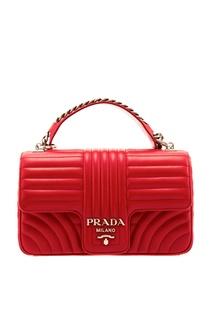 Красная кожаная сумка с фактурной отделкой Diagramme Prada