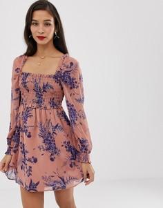 Короткое приталенное платье с цветочным принтом и квадратным вырезом ASOS DESIGN - Мульти